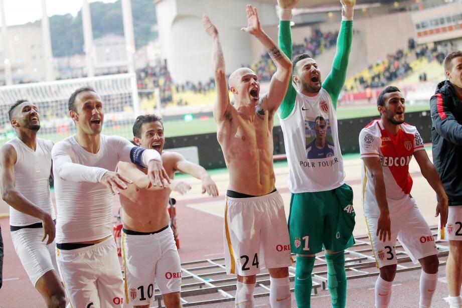 La joie des joueurs monégasques montre à quel point la victoire dans le derby contre Nice était importante.