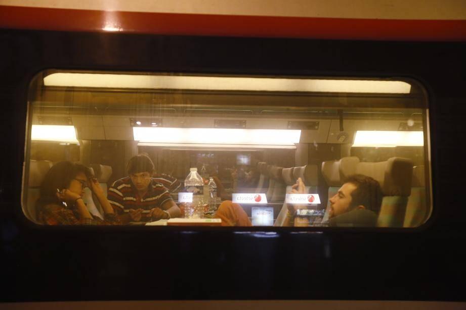 Un train de nuit.