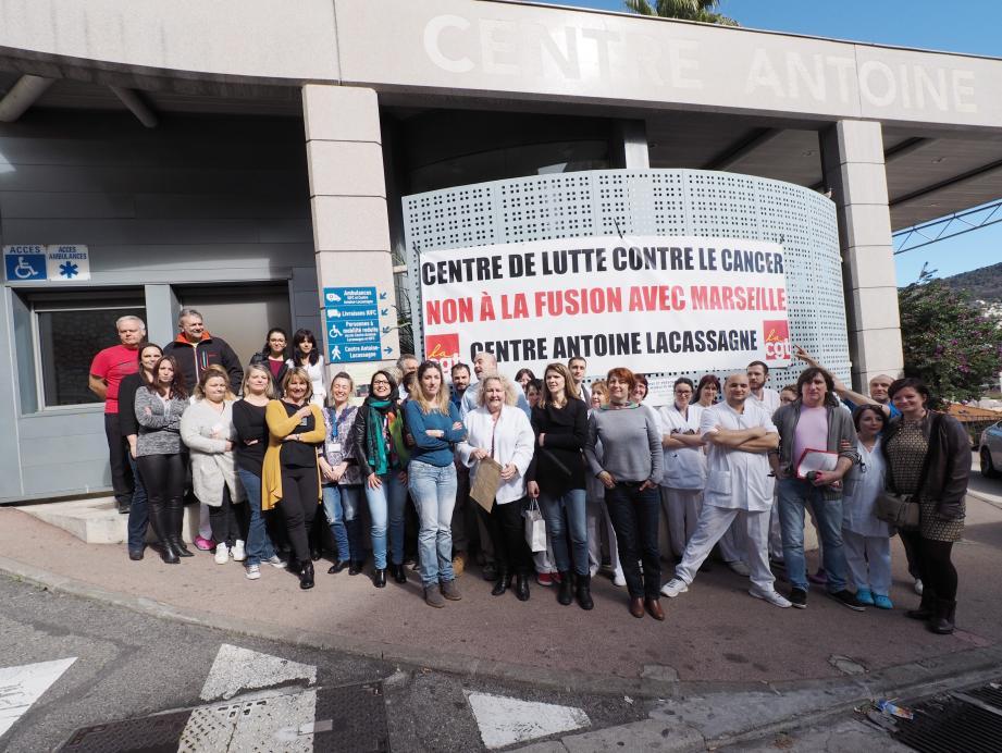 Les salariés de Lacassagne, solidaires avant la manifestation prévue pour le 9 mars.