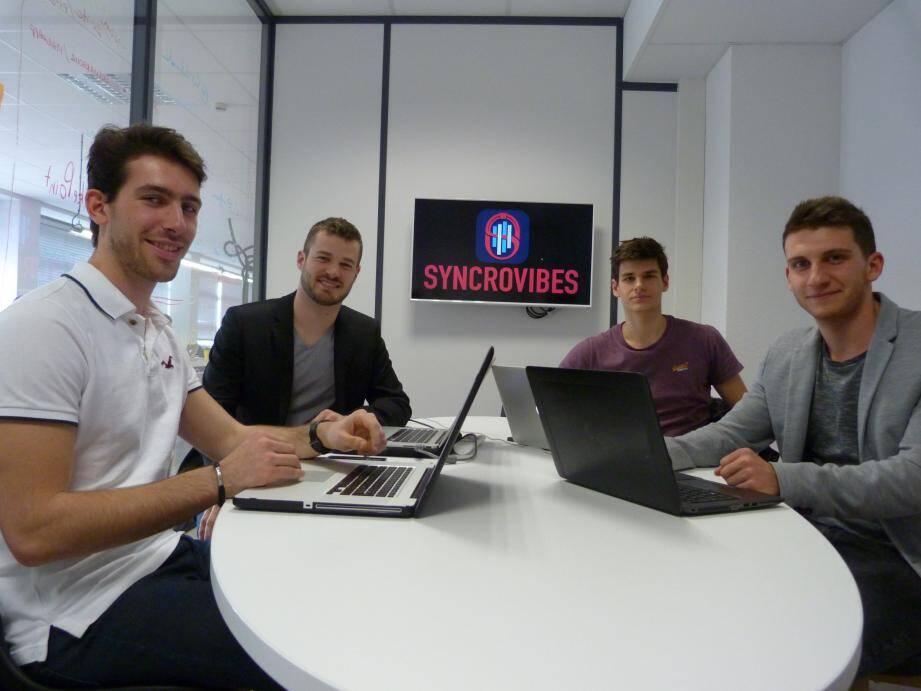 Les étudiants à l'origine de Syncrovibes soulignent la qualité de l'environnement numérique à Toulon.