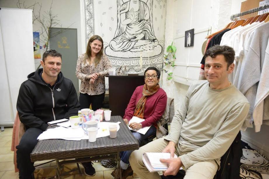 Eric Elbaz, Nathalie Ernst, Nadia Hamrouchi, Georges Homs (Laurent Chanzy) : le bureau exécutif du collectif Républik.