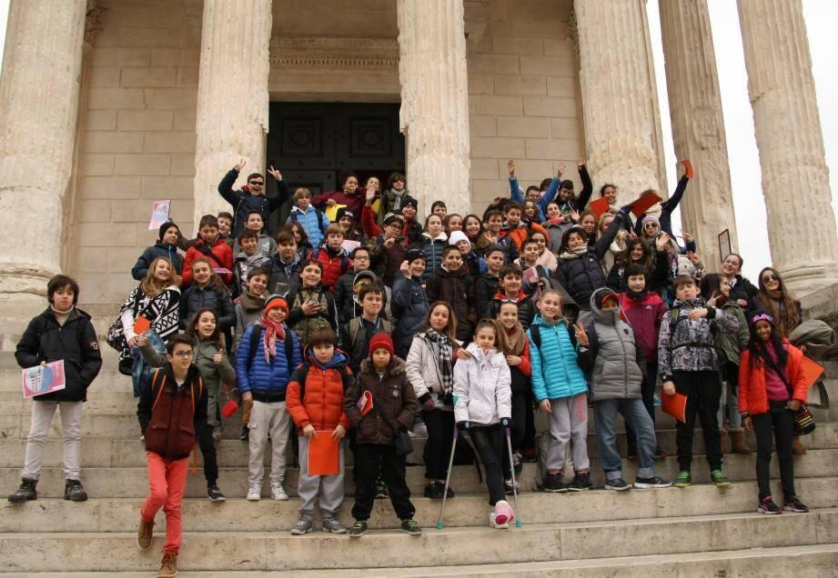 Ce voyage scolaire avait pour vocation de faire découvrir aux collégiens de la Villa Blanche les vestiges de la présence romaine dans la région.
