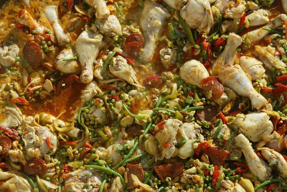 La paella fait partie de la cuisine familiale. À chacun sa recette !
