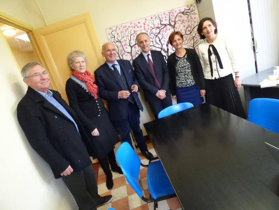 Les responsables d'« Isi » et de « Montjoye » autour du maire, en fin de semaine dernière.