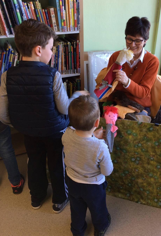 Les enfants pourront à nouveau assister à une heure de contes choisis par Muriel Alcaniz.