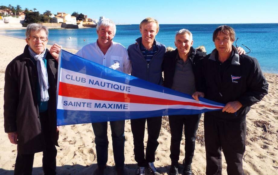 Les responsables du Club Nautique appellent à l'union sacrée derrière le champion maximois Jean-Baptiste Bernaz, réelle chance de médaille française aux JO de Rio.