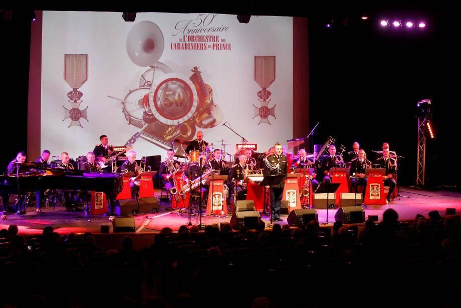 Les musiciens de l'orchestre se sont produits mercredi soir sur la scène de l'auditorium Rainier III, sous la baguette de l'adjudant-chef Olivier Dréan.