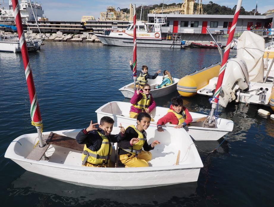 Rien n'y fait, c'est toujours le fun qui l'emporte avec les enfants qui ont pu assister à de nombreux ateliers et aller à la rencontre des métiers du port.