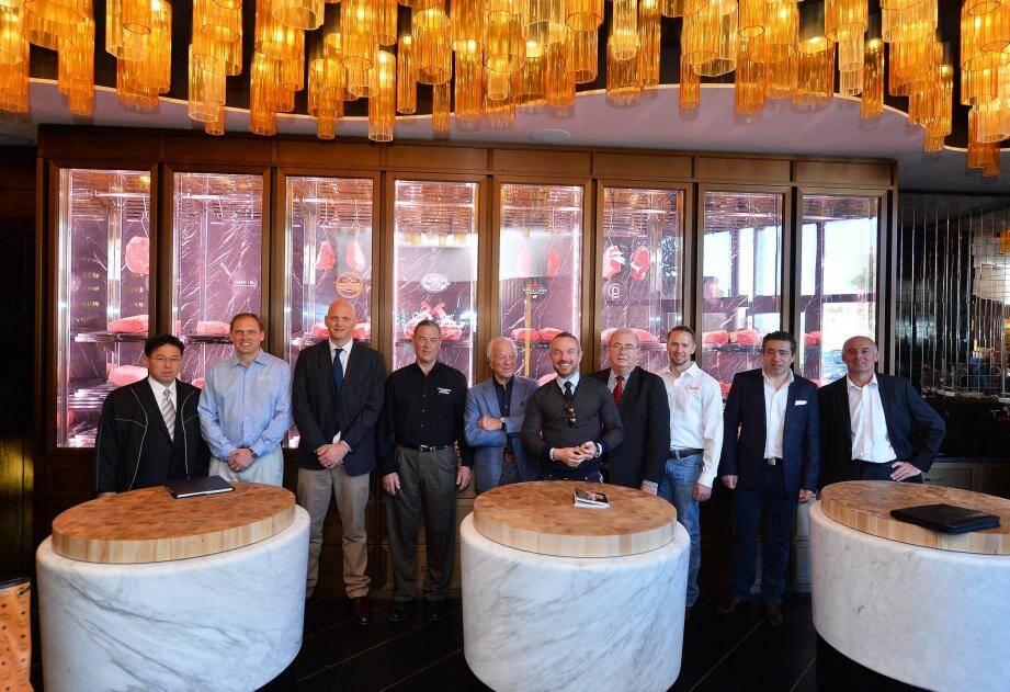 Autour d'Erminio et de Riccado Giraudi, les huit producteurs de viande les plus exclusives au monde étaient ensemble hier au Beef Bar.