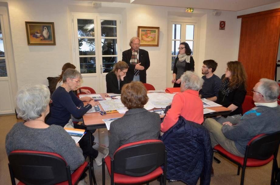 Elus, représentants d'associations et des cabinets mandatés ont partagé leurs réflexions sur le futur PLU.
