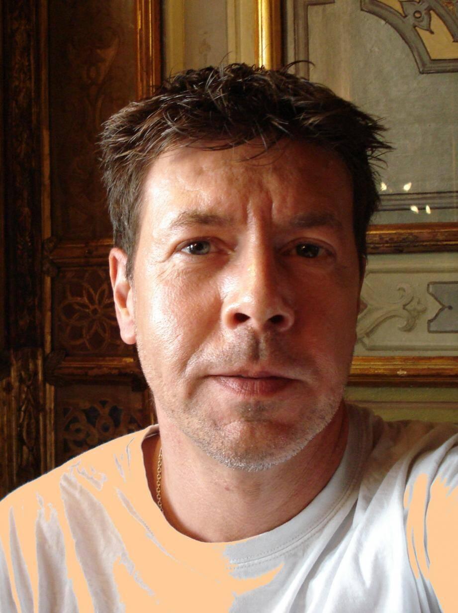 Gilbert Renouf, écrivain, éditeur de La Lettre sous le bruit.