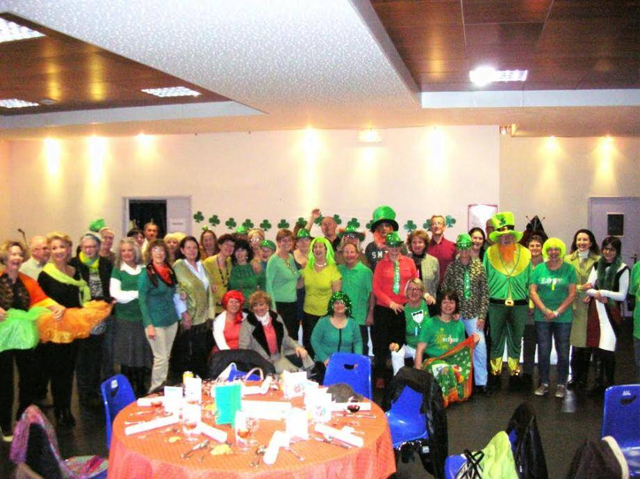 Les membres du comité de jumelage de Ste Maxime - US ont fêté la Saint Patrick dans la bonne humeur.