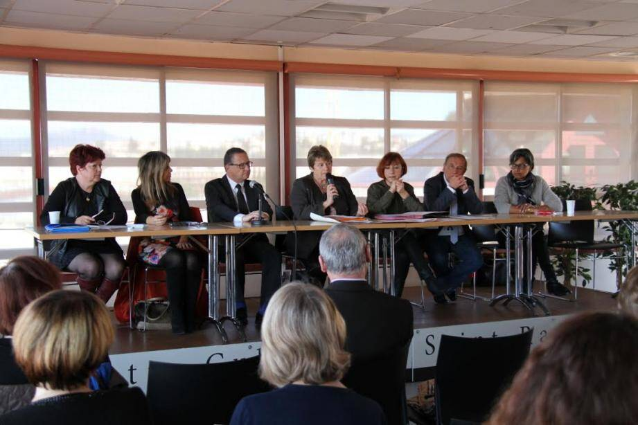 À l'étude des centres communaux d'action sociale du Var, l'impact de la loi concernant l'adaptation de la société au vieillissement.