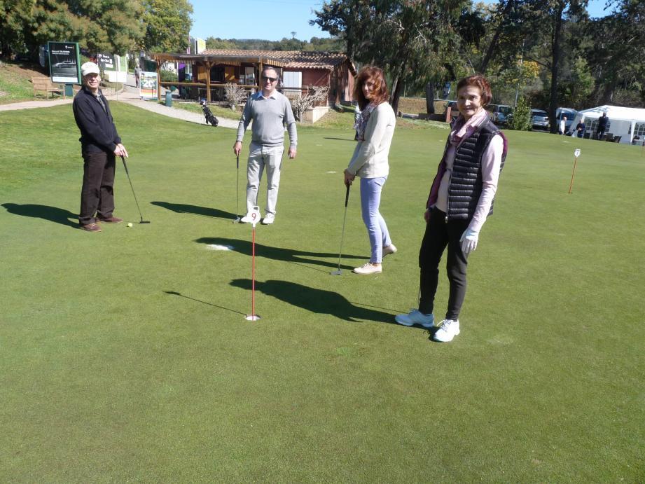 Le golf se démocratise sur le neuf trous du Golf académie Estérel blue green.