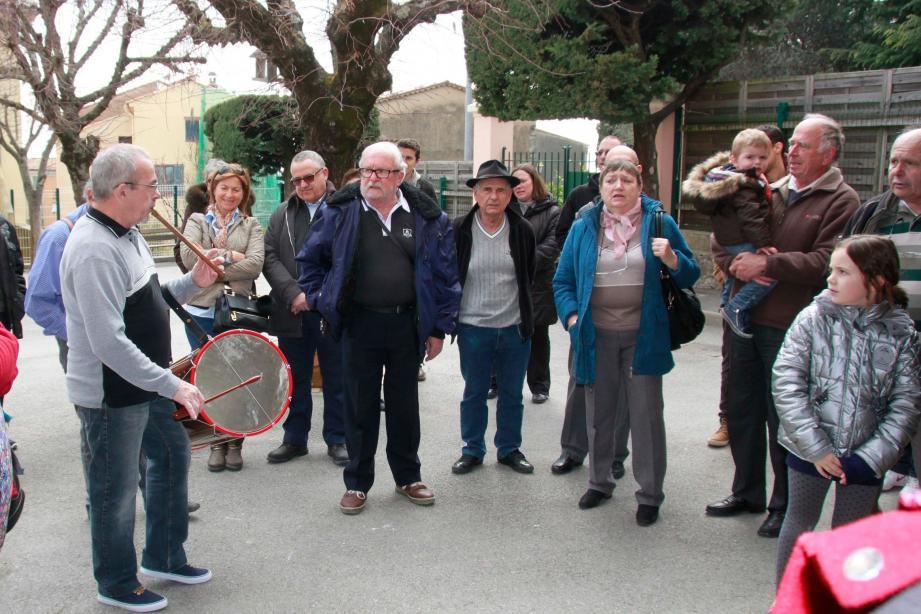 Familles et enfants sont venus nombreux, apprécier la musique proposée par le Rode de Basse Provence.