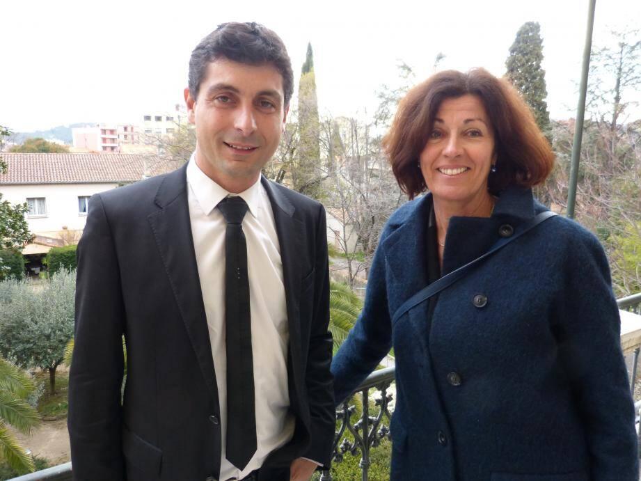Le conseiller départemental, Jean-Bernard Miglioli, 41 ans, est également directeur général des services de la commune de Flayosc. Quant à Marie Rucinski-Becker, 55 ans, elle est aussi directrice d'un organisme de formation professionnelle.