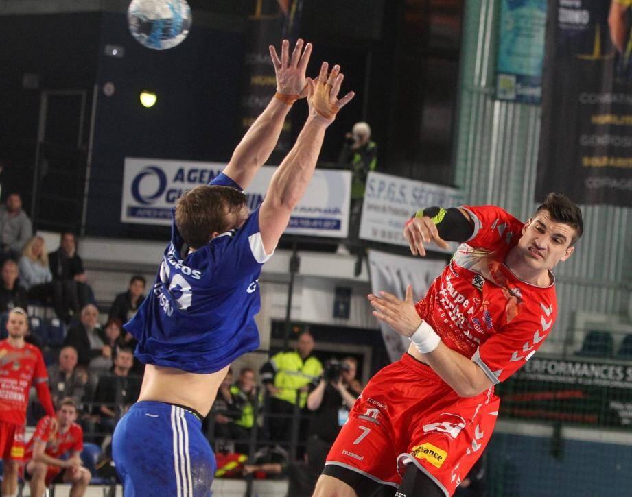Moins décisif face à Silkeborg que contre Toulouse, Alexandru Simicu n'en effectue pas moins un retour à la compétition très satisfaisant.