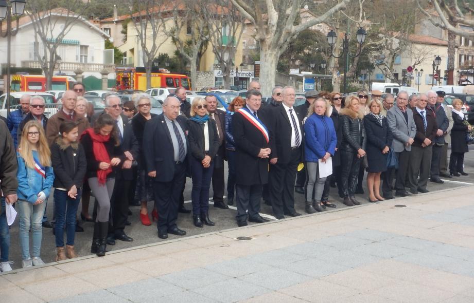 Il y avait du monde, hier matin, pour cette cérémonie organisée par l'Ammac, en collaboration avec la commune d'Ollioules et les associations d'anciens combattants.