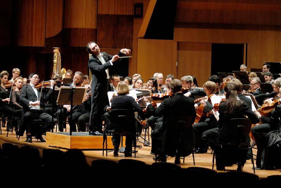 Hier après-midi, la sixième symphonie par le Deutsches Symphonie de Berlin.