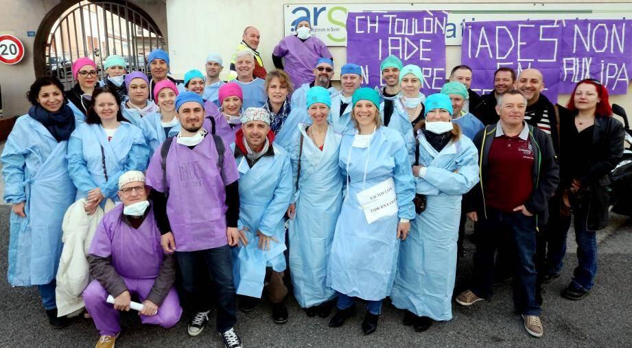 Sur les 10.000 infirmiers anesthésistes que compte la France, ils étaient 9.000 à être en grève hier.