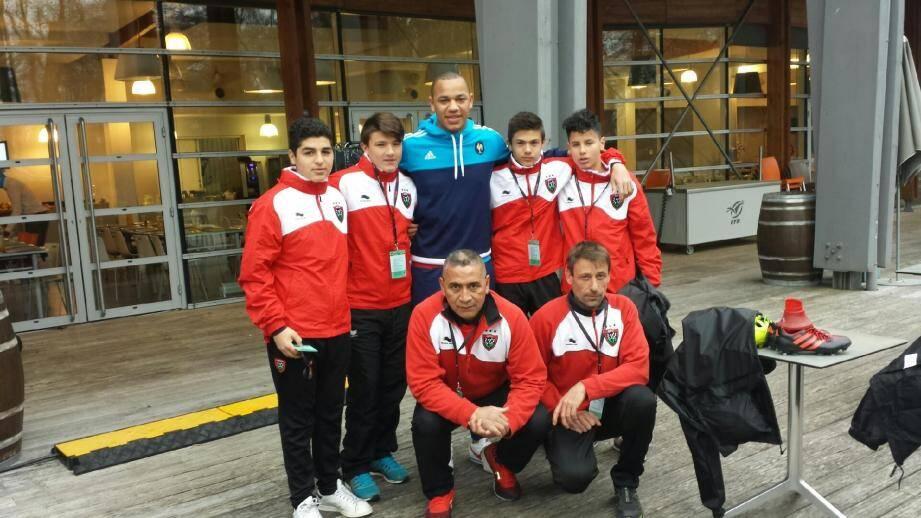 Passé par l'US seynoise, le RCT et aujourd'hui joueur professionnel au Stade Toulousain, l'international Gaël Fickou a rendu visite aux jeunes pousses du RCT.