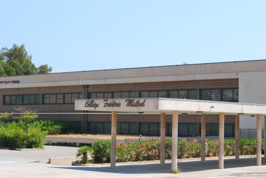 Le collège Frédéric-Mistral accueillera, vendredi soir, la compagnie « Attention fragile » pour une soirée théâtre.