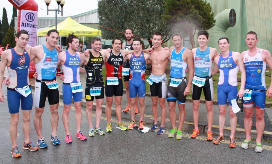 L'équipe de Draguignan Triathlon prête pour l'organisation du premier Triathlon du Dragon.
