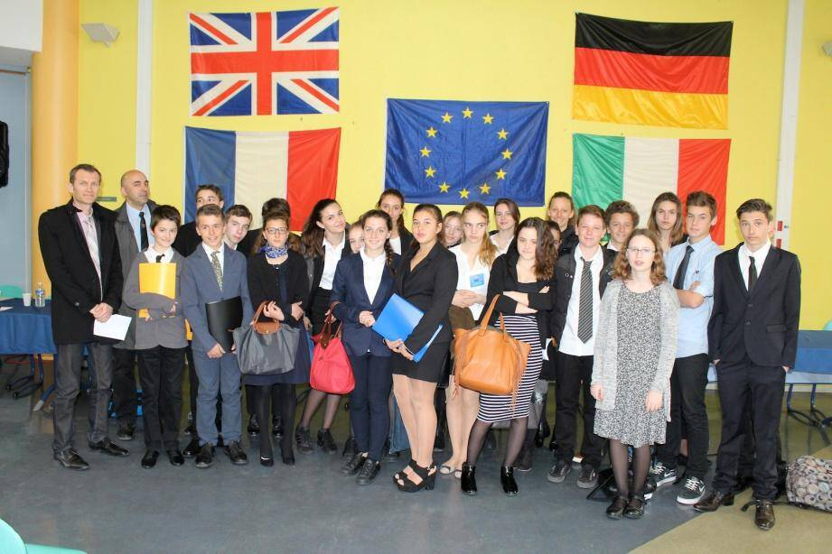 Les 25 élèves de la classe « section européenne » ont joué les diplomates d'un jour.