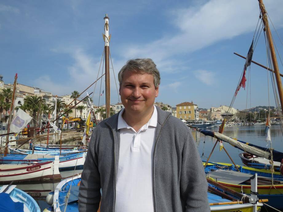 Olivier Thomas dédicacera le 3e tome de « Sanary-sur-Mer » demain matin à la librairie Baba Yaga, sur le port.