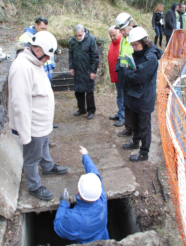 L'étanchéité du canal EDF a été expertisée et des travaux d'urgence ont permis une distribution constante d'eau potable au village.