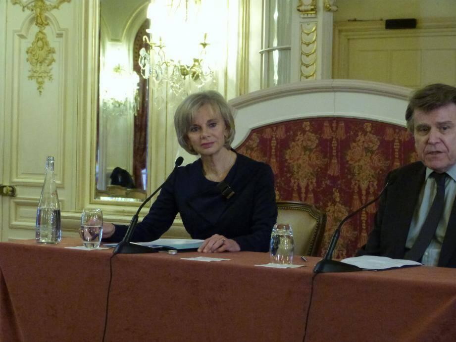 Elisabeth Guigou en conférence hier soir à l'hôtel Hermitage.