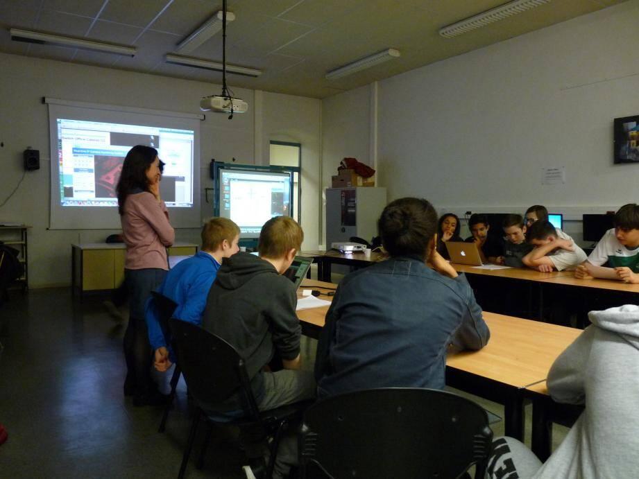 Les élèves de la 3e1 du collège Saint-Hilaire ont contrôlé à distance le télescope du C2PU pour photographier l'astéroïde Adoréa. Ils étaient supervisés par Olga Suarez, astronome de l'OCA.