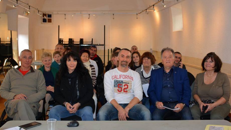 Josiane Pilati, Noël Cristina, conseillers municipaux ; le président Ludovic Chariault, Corinne Blanchi, secrétaire ; Jean-Michel Blanchi, trésorier.