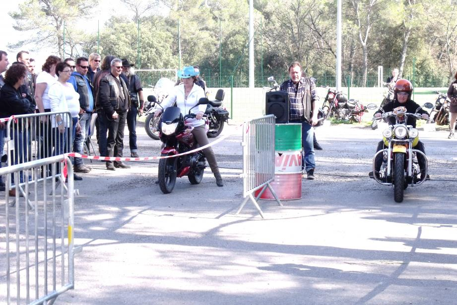 La fête se poursuit aujourd'hui. Les motards traverseront la commune à 11 h 30.