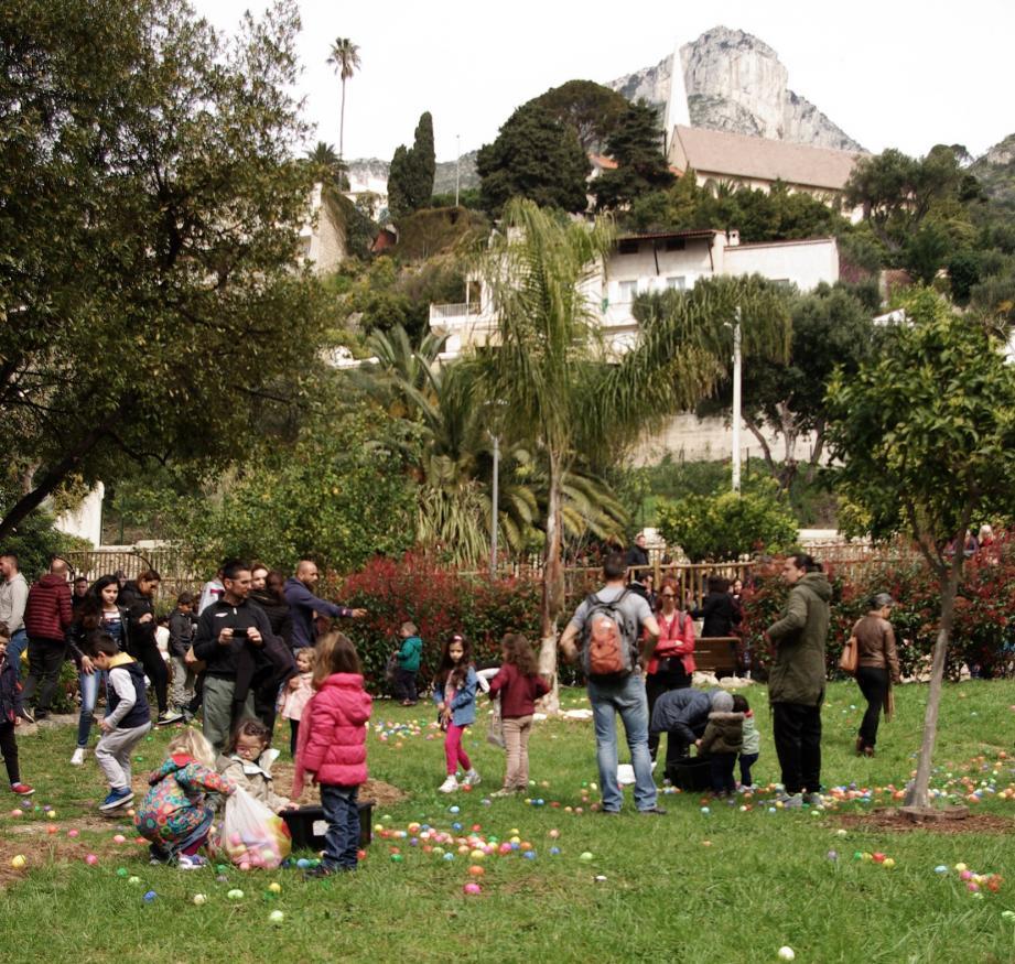 La chasse aux œufs de Pâques de Cap-d'Ail s'est déroulée dans le jardin des Douaniers.