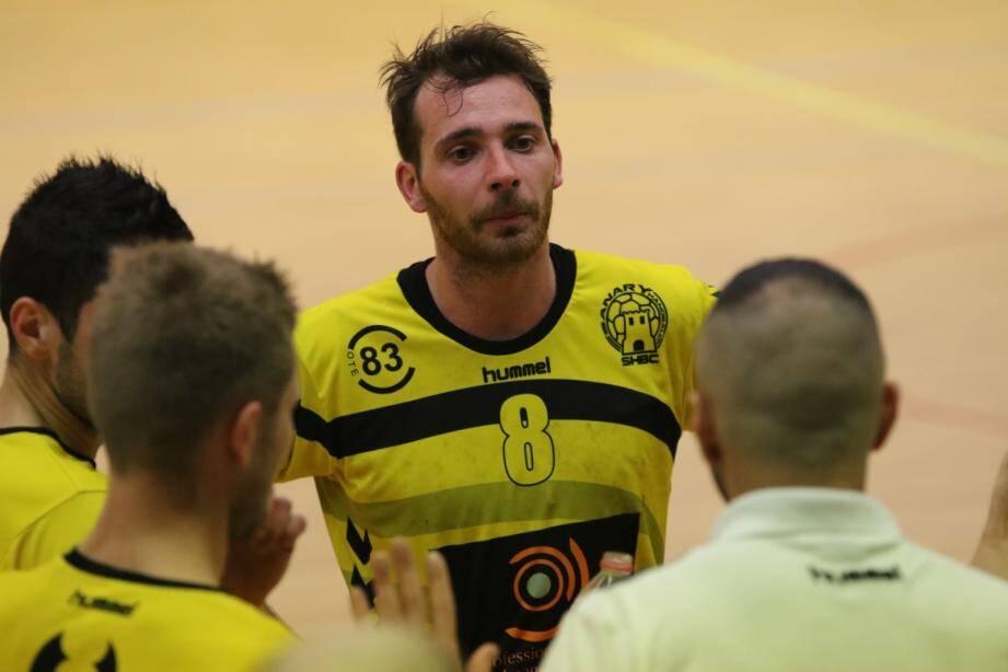 Anthony Bernard, meilleur buteur du match avec huit réalisations.