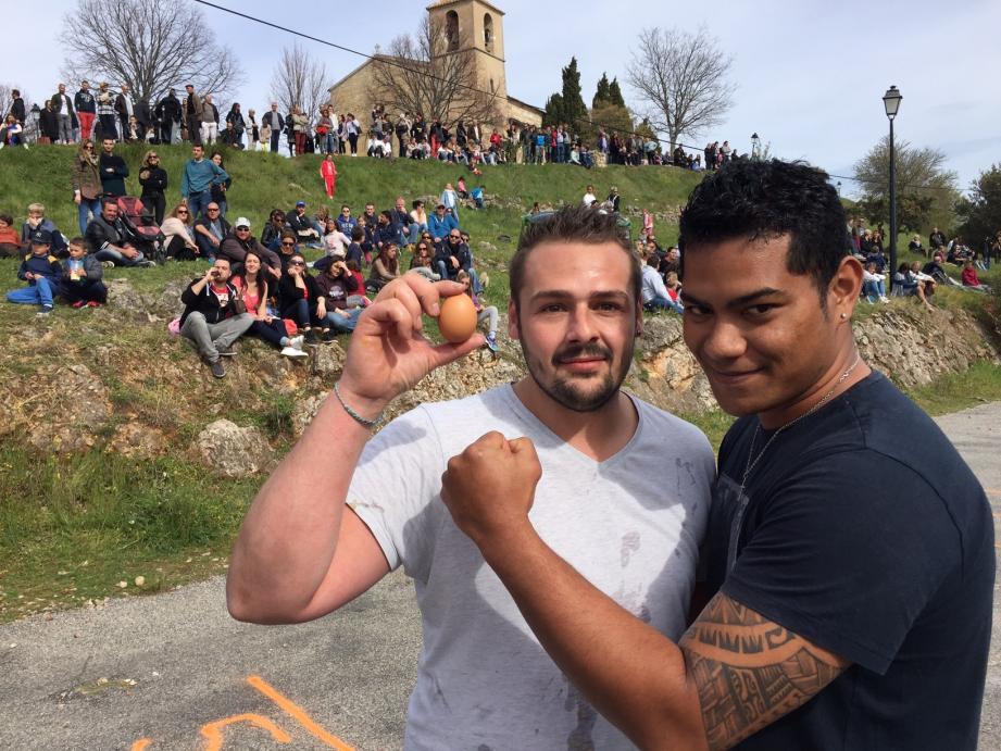 Sébastien Olivieri et Donovan Akilano ont inscrit un nouveau record au lancer d'œuf adulte.