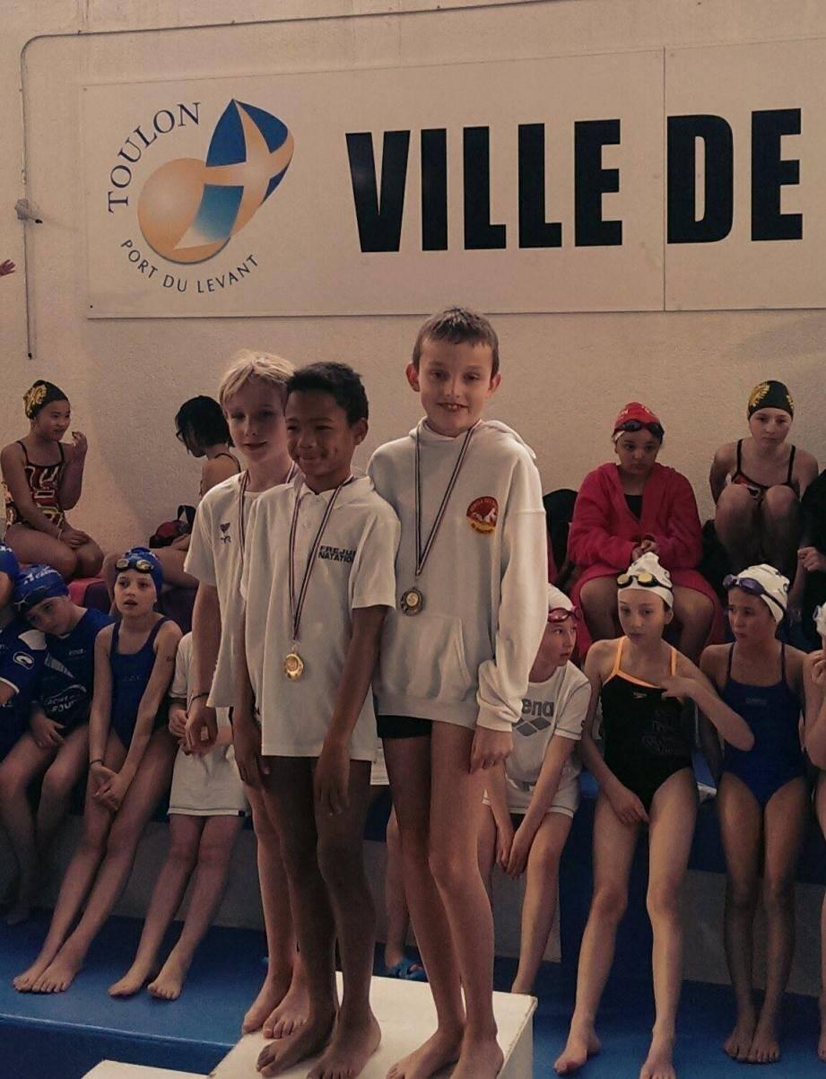 Thomas Bourdais sur la troisième marche du podium sur le 50 m nage libre.