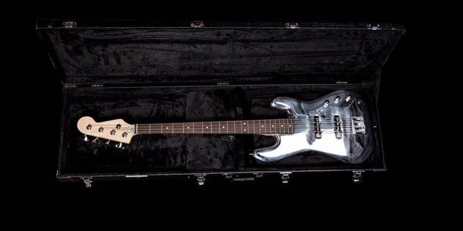 La Mandium Guitar, création niçoise faite en métal.