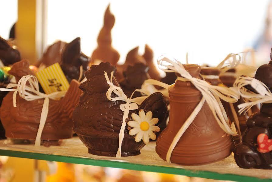 Noir, blanc, au lait, en forme de lapin ou de cloche... En cette période de Pâques, le chocolat est roi