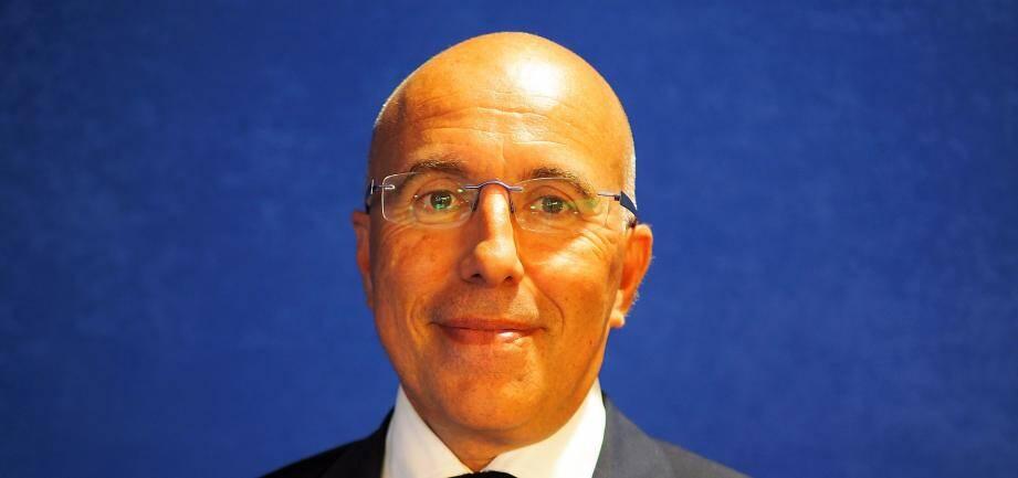 """Le député et président du conseil départemental des Alpes-Maritimes estime que le conseil de Défense présidé samedi matin à l'Elysée par François Hollande s'apparente à de la """"récupération politicienne""""."""