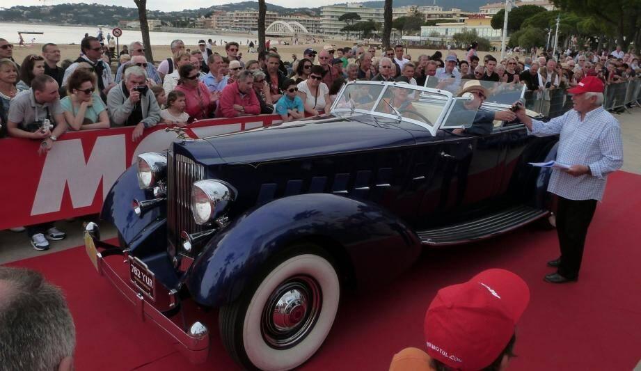 La parade organisée dimanche après-midi sur l'aire des Magnoti devrait attirer une grande foule pour admirer la trentaine de voitures de collection.