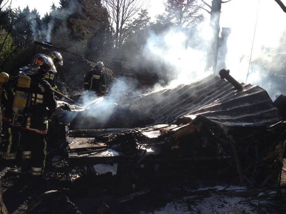 Un incendie s'est déclaré dans le quartier de la Gaudine, à Fréjus.