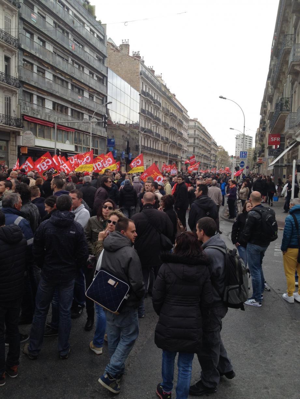 Plusieurs milliers de manifestants ce jeudi matin boulevard de Strasbourg, avenue de la République...
