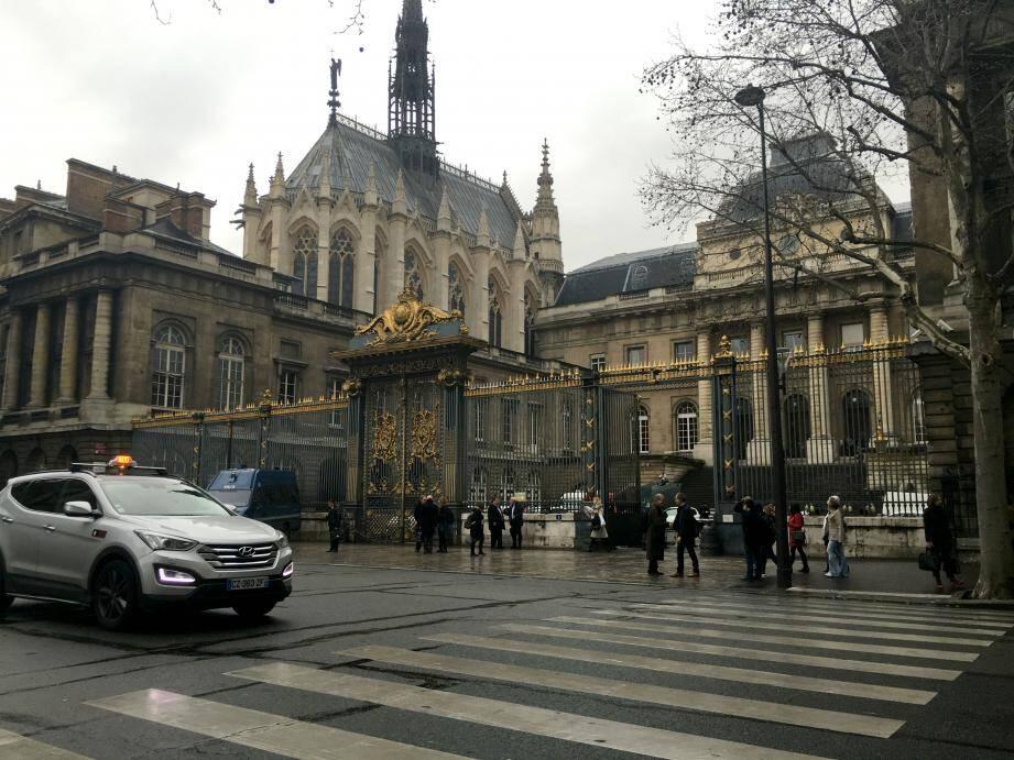 Le procès des pirates impliqués dans la mort d'un navigateur varois se tient à Paris.