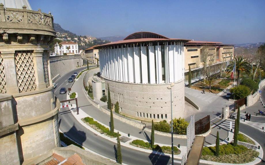 Le tribunal correctionnel de Grasse.