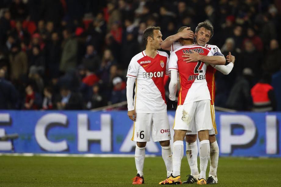 Toulalan et Fabinho devraient être titulaires.... Carvalho, lui, n'est rentré qu'hier de sélection.