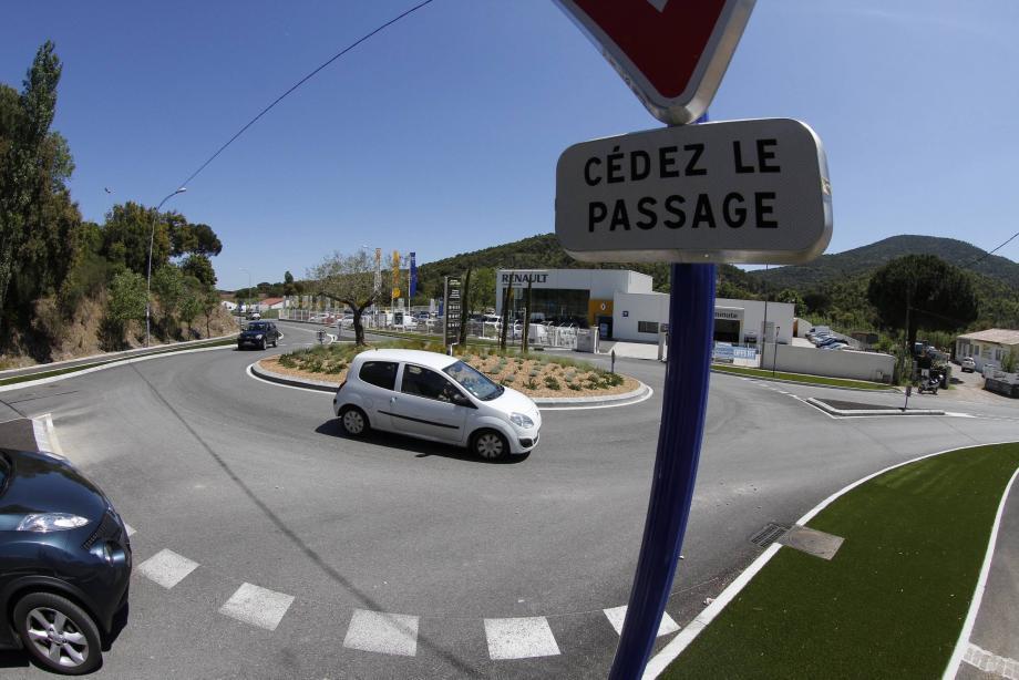Les actes de vandalisme ont été perpétrés entre le centre-ville, Camp Ferrat et la zone du Rivet, où de nombreux artisans possèdent des dépôts.