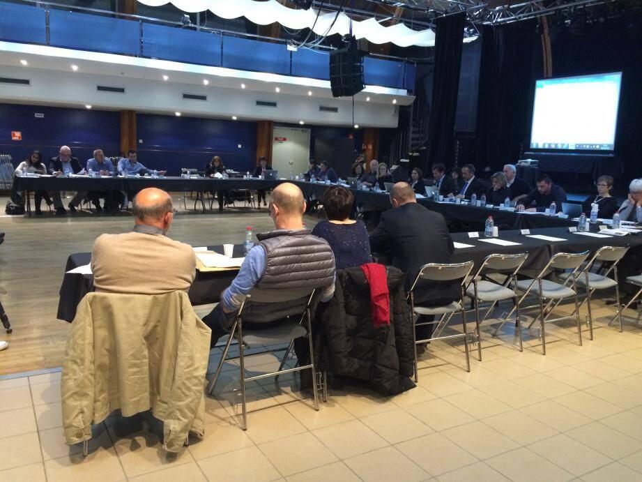 Vaste et fonctionnelle, la salle du centre Maurin-des-Maures sera abandonnée le mois prochain pour la réunion du conseil.