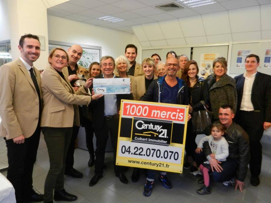 Les panneaux apposés ont permis de récolter 1 300 euros pour la recherche contre le cancer.             (M.P)